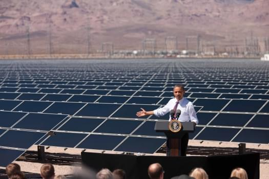 copper-mountain-Nevada-Solar_PANEL-field-largest-photovoltaic-plant-top-3-factors-outdoor-solar-lights